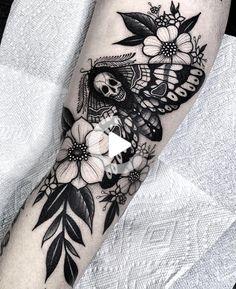 #legtattoos Tattoos Skull, Dope Tattoos, Unique Tattoos, Beautiful Tattoos, Body Art Tattoos, Tattoos For Guys, Tattoo Ink, Tattos, Badass Tattoos