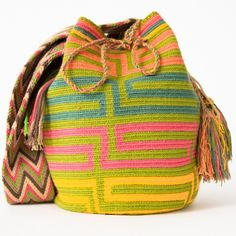 Wayuu Boho Bags with Crochet Patterns by bianca Mochila Crochet, Bag Crochet, Crochet Handbags, Crochet Purses, Tapestry Bag, Tapestry Crochet, Boho Bags, Knitting Accessories, Clutch