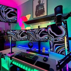 Now this set up is dope! Rate 1-100 🔥🔥 Comment down below ⬇️ Via 📸 @/jasecloud Check out gamingapt300.com for accessories, decor, and posters for your gaming room! #gaming #msigaming #gamer #motherboard #gamingmotherboard #intel #msimothetboard #graphicscard #pcgaming #nvidia #geforce #pcgamer #gamingcomputer #amd #skylake #no1ingaming #pcbuild #z170a #rig #modding #casemodding #gamingpro #carbon #rgb #scratchbuilding #chooseyourdestiny #gamers #msino1ingaming #titanium #desktop Gaming Desk Setup, Best Gaming Setup, Gaming Computer, Gaming Station, Desk Inspiration, Room Goals, Room Setup, Razer Mouse, Office Interiors