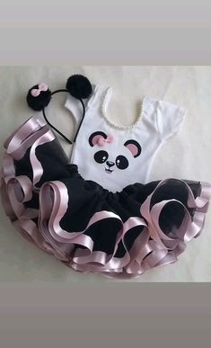 Fantasia Infantil Tutu Festa Panda Menina 1-2 anos no Elo7 | Ateliê Artes e Mimos da Sil (C1A8C3) Panda Themed Party, Panda Birthday Party, Panda Party, Baby Girl Birthday, Panda Decorations, Panda Bebe, Panda Nursery, Birthday Room Decorations, Panda Cakes
