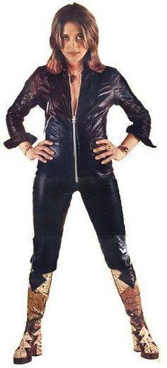 Suzi Quatro(Queen of Rock & Roll ) Joan Jett, Female Guitarist, Female Singers, Pop Punk, Detroit Michigan, Female Rock Stars, 70s Glam Rock, Lita Ford, Women Of Rock