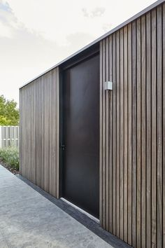 Modern Pool Designs and 3 Things Every Pool Owner Should Know – My Life Spot House Cladding, Timber Cladding, Exterior Cladding, Backyard Office, Garden Office, Design Hotel, House Design, Moderne Pools, Wood Architecture