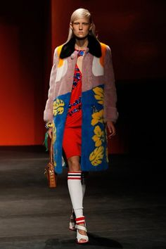 Prada Spring 2014 RTW - Runway Photos - Fashion Week - Runway, Fashion Shows and Collections - Vogue Fashion Week Paris, Milano Fashion Week, Moda Fashion, Runway Fashion, Fashion Show, Fashion Design, Prada Spring, 2014 Fashion Trends, 2014 Trends