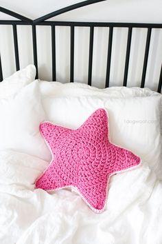 Cojín estrella de trapillo / Crochet Sirius star pillow