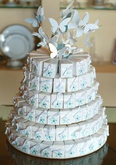 Thank You Gifts For Wedding Guests Gauteng : 1000+ images about Cake favor boxes on Pinterest Favor boxes, Paper ...