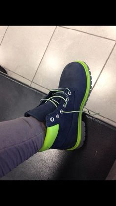 shoes timberlands navy blue green blouse