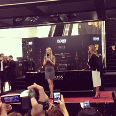 "@Margot Perdomo's photo: ""Met gorgeous #GwynethPaltrow today at #HugoBoss #Nuit #DubaiMall #dubai #uae"""