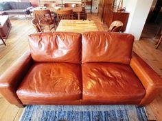 ACME Furniture 目黒店オススメアイテム! | ACME Furniture 公式ブログ本日は目黒店オススメの2Fフロアをご紹介!!!! 2FはACME Furnitureのアイテムがズラリとならんでおります。 さっそく階段で2Fまで上がっていただくと… こちらのソファーとテーブルがお出迎え!!!   人気のソファーがこちら↓
