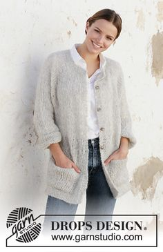 Classic comfort / DROPS – Free knitting patterns by DROPS Design - Knitting Patterns Cardigan Pattern, Jacket Pattern, Knit Cardigan, Knit Cowl, Knitting Patterns Free, Knit Patterns, Free Knitting, Finger Knitting, Knitting Tutorials