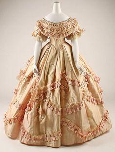 クリノリン・ドレス