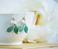 Leaf  EARRINGS Pearl Woodland Wedding