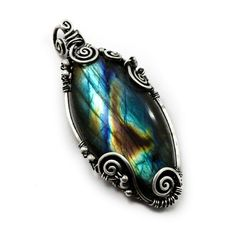 Labradorite pendant handcrafted jewelry by DreamingTreesJewelry