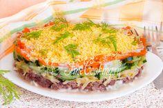 Рецептов всевозможных салатов с консервированным тунцом можно найти очень много.