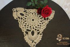 Doily crocheted from jute Triangle