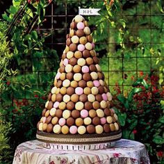 Pièce-montée en macarons