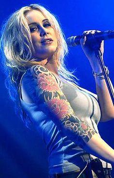 Anouk Teeuwe - artiestennaam Anouk -  Nederlands zangeres - Anouk wordt gezien als de populairste rockzangeres van Nederland.