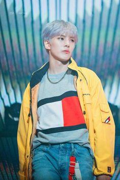 Bruh he should be a flippin model son👀👀👀👀💖 Jooheon, Hyungwon, Yoo Kihyun, Shownu, Monsta X Minhyuk, Lee Minhyuk, Rapper, Stan Love, Manish