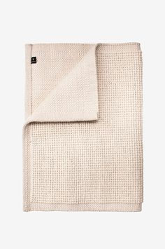 Uldtæppe med bomuld 140 x 200 cm kr. Natural Rug, Wool Rug, Towel, Villa, Plaid, Rugs, Bomull, Bedroom Inspiration, Blankets