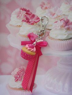 bijou de sac cupcake romantique en fimo