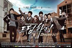 Dream High 1 >> Kisah perjuangan anak muda pelajar sekolah seni Kirin dalam mewujudkan impian mereka menjadi seorang penyanyi, dancer, musisi dan pencipta lagu. Diperankan oleh Suzy MissA, Kim So Hyun, Taecyeon 2PM, Wooyoung 2PM, IU, dan Eunjung T-Ara. Sangat inspiratif buat kamu-kamu yang punya impian dan cita-cita tinggi. Mengajarkan kita bahwa dalam mengejar impian, berteman dengan kegagalan adalah suatu hal yang...LUMRAH