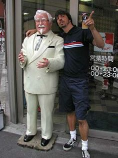 Dave Chillin with Colonel Sanders #Grohl