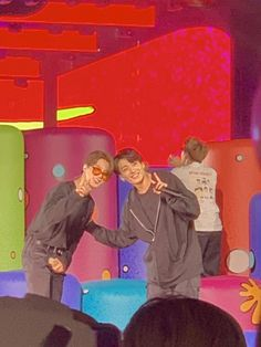 """juls on Twitter: """"remember when jikook made the 🤝✌️ a thing??? WHY ARE THEY LIKE THIS 😭… """" Jung So Min, Foto Bts, Busan, Bts Show, Besties, Bts Aesthetic Pictures, Jimin Jungkook, Bts Group, Indie Kids"""