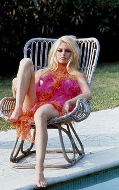 Vintage Glamour: Brigitte Bardot Bridget Bardot, Brigitte Bardot, Jane Birkin, Look Rose, Isabelle Adjani, Deneuve, Marlene Dietrich, French Actress, Norma Jeane