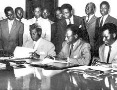 De gauche à droite, Présidents Modibo Keita, Kwame Nkrumah et Sékou Touré.