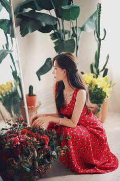 daily 2018 feminine & classy look Korean Fashion Dress, Korean Street Fashion, Korean Outfits, Asian Fashion, Fashion Dresses, Romantic Outfit, Elegant Outfit, Cute Fashion, Daily Fashion