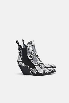757a9e66d91 BOTÍN COWBOY. Shoes Heels Boots