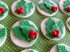Fondant Holly Leaf,Berry cupcake toppers,Holiday treats,Christmas party,edible decorations,xmas,winter birthday party,fondant berry leaf