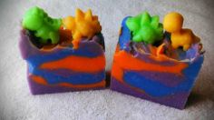 Gummy Bears Fragrance.  Handmade Soap made with Coconut oil, Olive oil, Palm oil, lye, Water, Aloe Vera Oil, Mica Mineral Powders, and fragrance oil.  Very moisturizing!  Each  bar is about 4.5 oz.