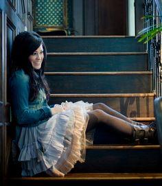 Kari Jobe - I Am Not Alone Lyrics | MetroLyrics