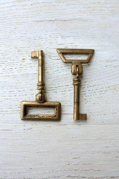 Italian vintage keys