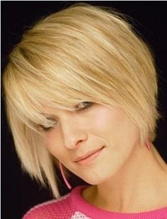 Carefree Style Short Straight Layered Golden Color Fashion Capless Synthetic Wig