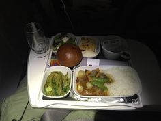 Lufthansa 716, Frankfurt - Tokyo-Haneda (premium economy) Dinner option: Mixed salad with mozzarella balls and balsamic dressing, Green tea noodles with wasabi, Chicken curry yasi with roast vegetables, curry sauce and pea pods, Plum cake with butter crumble and cream