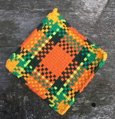 A personal favourite from my Etsy shop (null) Weaving Projects, Weaving Art, Weaving Patterns, Loom Weaving, Craft Projects, Hand Weaving, Potholder Loom, Potholder Patterns, Crochet Dishcloths