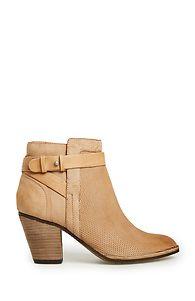 Women's Shoes, Heels, Boots, Booties, Sandals, Flats, & Sneakers. | DAILYLOOK
