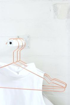 copper + white--Make it Copenhagen, Hay hanger Copper Hangers, Wire Hangers, Boutique Interior, Copper Accessories, Home Accessories, Design Hotel, Bracelet Friendship, Organizar Closet, Less Is More
