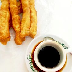 Breakfast : #cakue #coffee