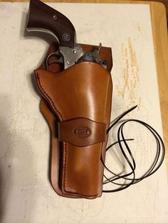 Western Holster for a Ruger Super Blackhawk.Loading that magazine is a pain! Get your Magazine speedloader today! http://www.amazon.com/shops/raeind