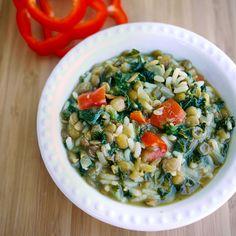 Sopa de Lentejas – Esta mezcla de lentejas con #kale o espinaca, y arroz integral, ¡es muy nutritiva! ¡Y lo mejor es que está llena de sabor también!