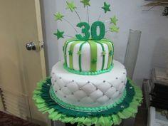 30th Bday / 30 Cumpleaños en Fondant de Creaciones Reina Sofia Zulia Venezuela