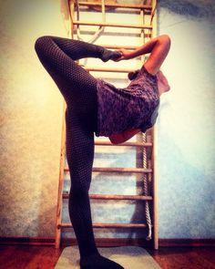 #натараджа #nataradjasana Slim, Yoga, Pants, Fashion, Trouser Pants, Moda, La Mode, Women's Pants, Yoga Tips