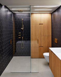 Modern black and wood bathroom Contemporary Interior Design, Modern Bathroom Design, Bathroom Interior Design, Bathroom Designs, Bathroom Ideas, Design Kitchen, Bathroom Renovations, Dark Wood Bathroom, Master Bathroom