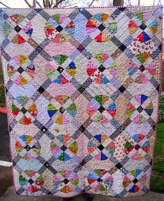 Euphoria Jessica: Scrappy Slice of Pie Quilt - tutorial for the block on my Quilt Tutorials board.