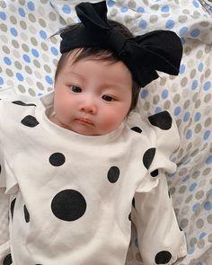 Cute Kids Pics, Ulzzang Kids, Future Mom, Cute Babies, Korean, Board, Summer, Korean Babies, Kids Fashion