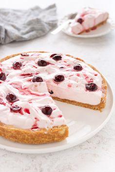 Torta fredda con yogurt panna e amarene, ricetta semplice senza cottura