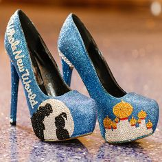 How fabulous are these Disney's Aladdin inspired glitter wedding heels?