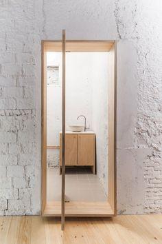 Like: Wall treatment. White painted brick retains the brick texture but makes the colour consistent Interior Design Blogs, Interior Design Companies, Interior Paint, Bathroom Interior, Interior Inspiration, Interior And Exterior, Interior Doors, Office Bathroom, Interior Livingroom